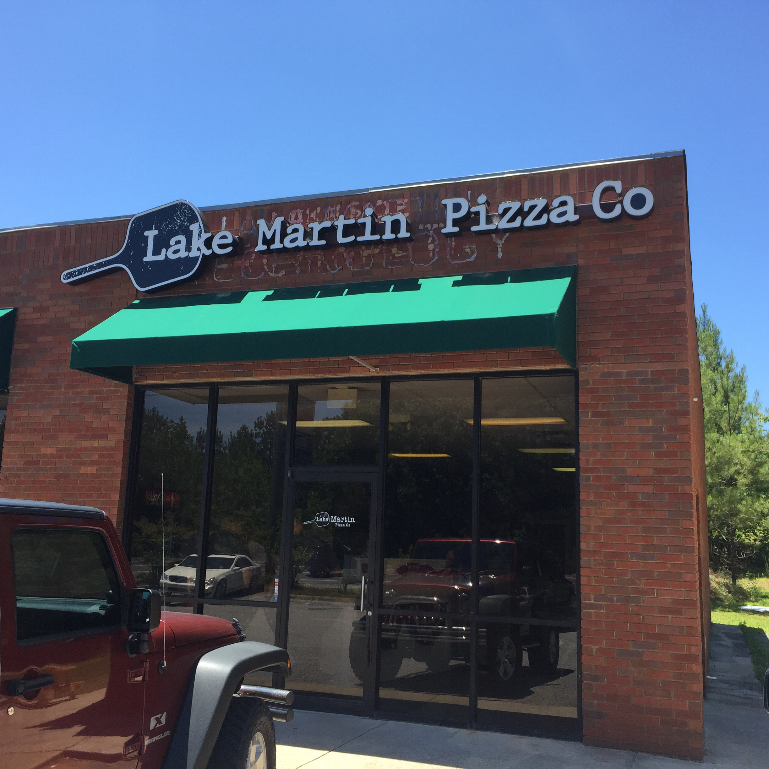 lake martin pizza company grand opening picture of outside