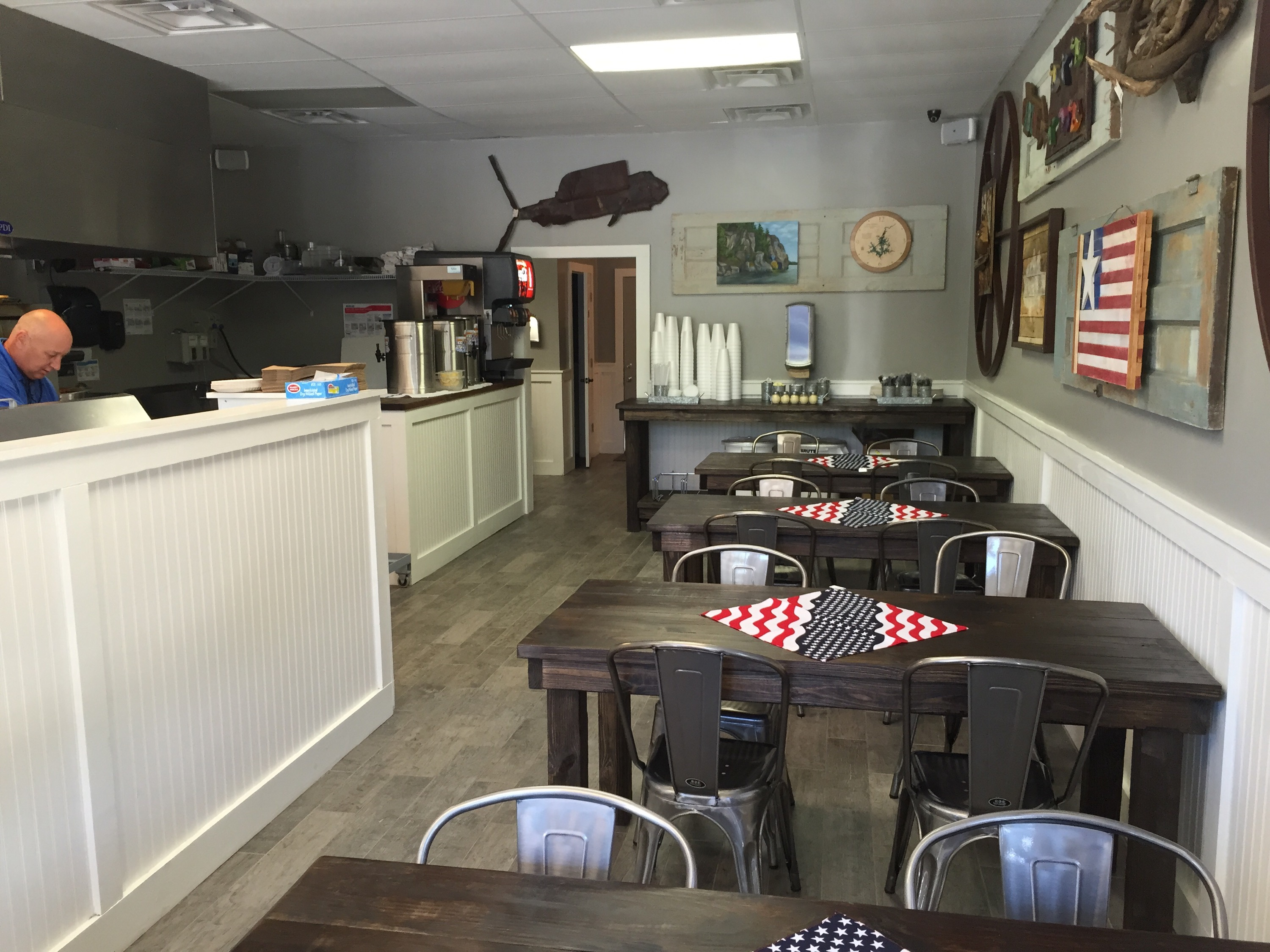 the inside of Lake Martin Pizza Company in Dadeville, Alabama